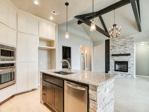 520 NW 179th Cir.Custom Home. Two Structures Homes (9)